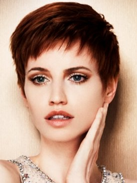 Розкішні модні короткі зачіски