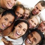 Сильный смех способен уменьшить боль