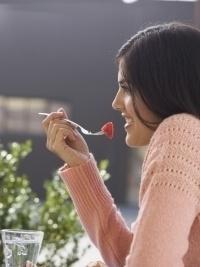 Питание вне дома, когда вы на диете: советы и рекомендации, как оставаться стройной