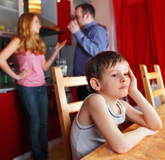 После развода мужчина хочет оставить ребенка себе