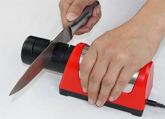 Что нужно знать хозяйке для правильного выбора ножеточки