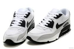 Приобретать кроссовки оптом удобно