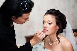 Подготовка к самому торжественному моменту — свадьбе