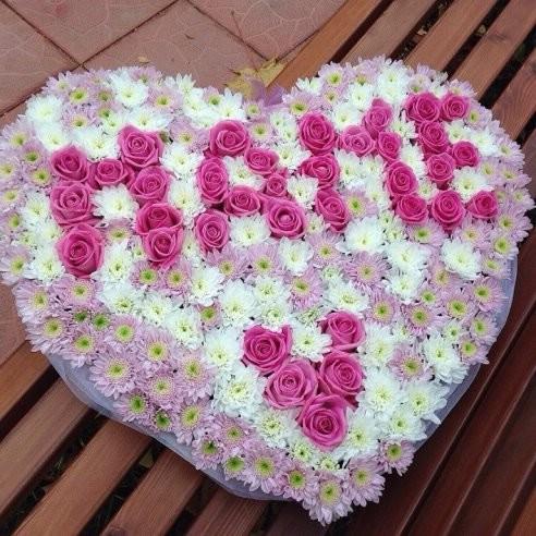 Приятный и волнительный выбор цветов для мамы, посмотрите букеты интернет магазин artflora.spb.ru