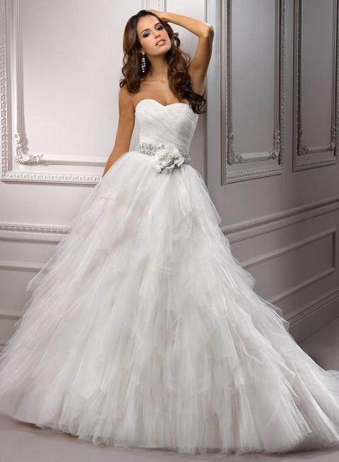 Купить свадебное платье в СПб рекомендую на tavifa-spb.ru