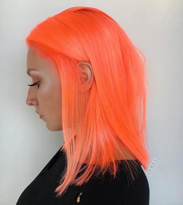 Неоновые персиковые волосы