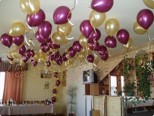 Бордовые гелиевые шарики на свадьбу
