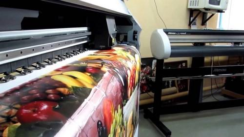 Широкоформатная печать баннеров: особенности и плюсы